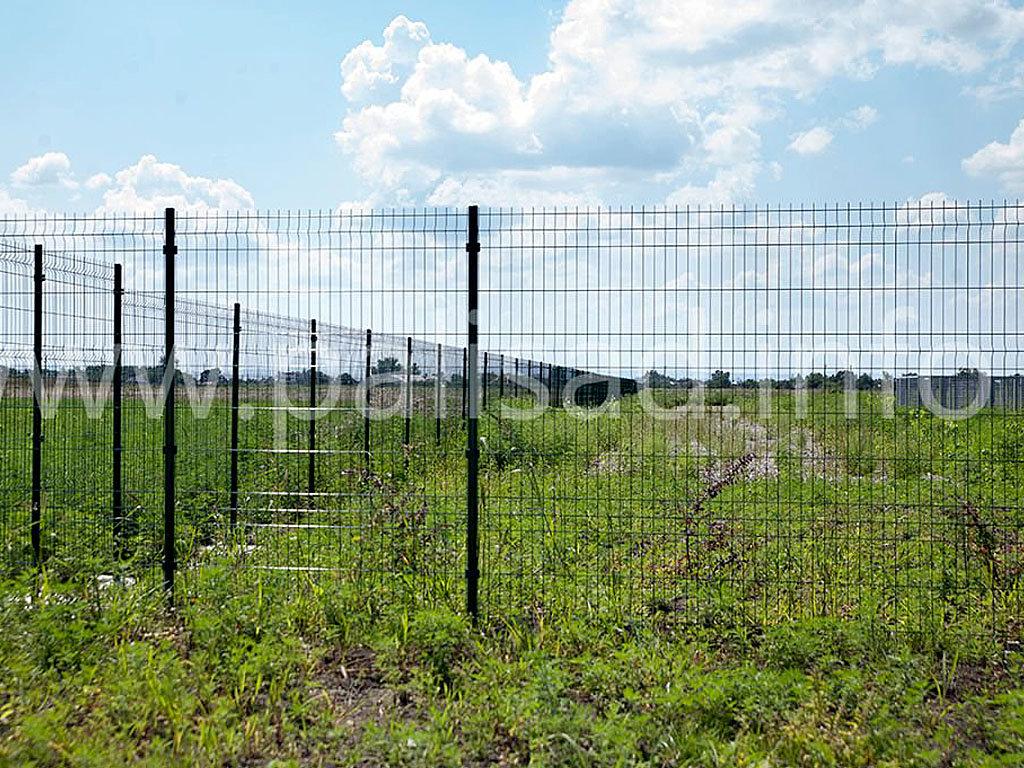 Ограждение территории РЖД около Крымска