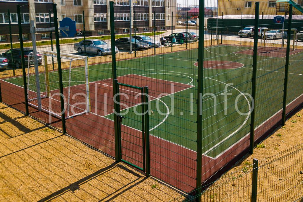 Ограждение спортплощадки многоквартирного дома (ул. Дзержинского)